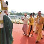 Papa celebra em Mianmar: só o perdão cura as feridas da violência
