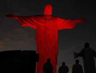 Cristo Redentor na luta pelo Dia Mundial Contra a Aids