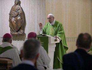 Papa: pastores não sejam rígidos, mas ternos e próximos