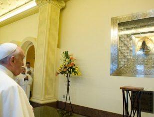 Papa acompanha situação e reza pelo Brasil, afirma diretor das POM