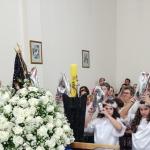 Menino chora na coroação de Nossa Senhora e Devotos se emocionam.