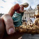 Família, um tesouro a ser protegido e defendido, diz Papa no Angelus