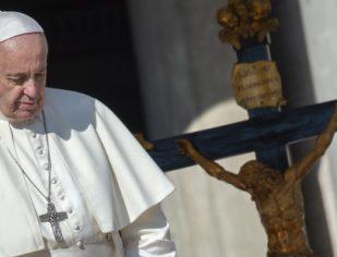 """Papa pede vigilância contra """"demônios"""" do dia a dia"""
