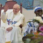 """Papa aos jovens: """"mantenham vivo este sonho que nos faz irmãos"""""""