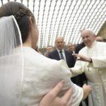 Matrimônio: é preciso ser Igreja e não só ir à Igreja