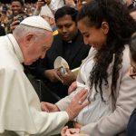 Católicos e ortodoxos podem colaborar em favor das famílias, afirma o Papa