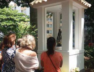 A Santa fica: Justiça determina que oratório em praça do Rio de Janeiro não será destruído