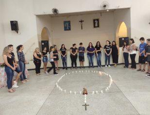 Catequizandos da paróquia fazem homenagem para o dia das mães