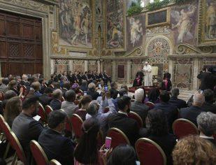 Falta de alimento se combate com compaixão e vontade política, dia Papa Francisco