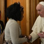 Temos que libertar as mulheres da escravidão da prostituição, diz papa Francisco