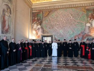 Papa Francisco: Não se pode esquecer o irmão que sofre