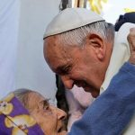 Papa: rezemos pelos enfermos abandonados e deixados a morrer